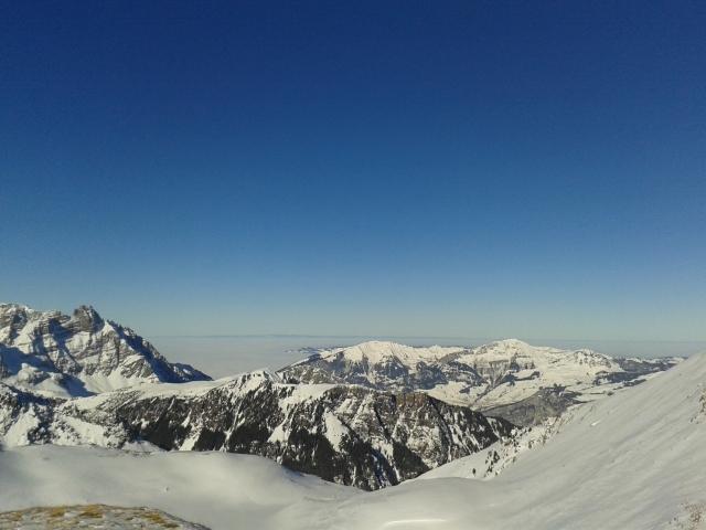 Lauferei - Blick Richtung Zürich unter der Nebeldecke